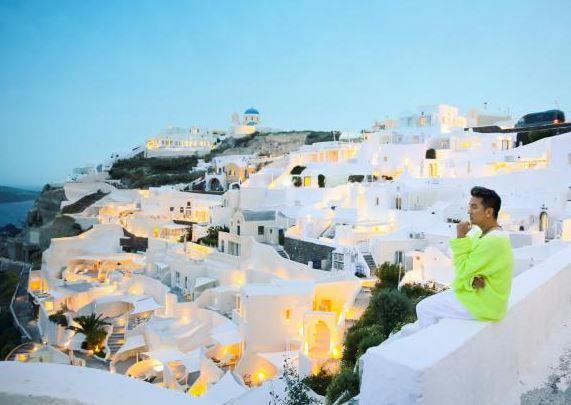 Dam Vinh Hung tung bo anh tai Santorini dep den nao long 6