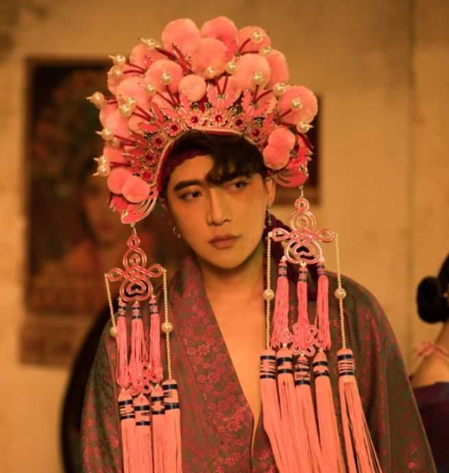 Orange ra mat MV Chan ai Vua co trang long lay vua lieu trai lanh gay lai con drama chi em dau da mot mat mot con 1