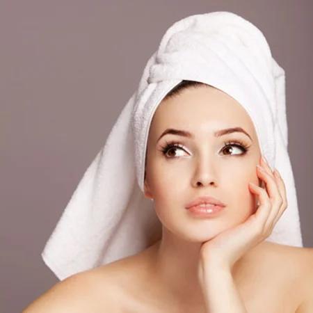 cách quấn khăn tắm trên đầu 1